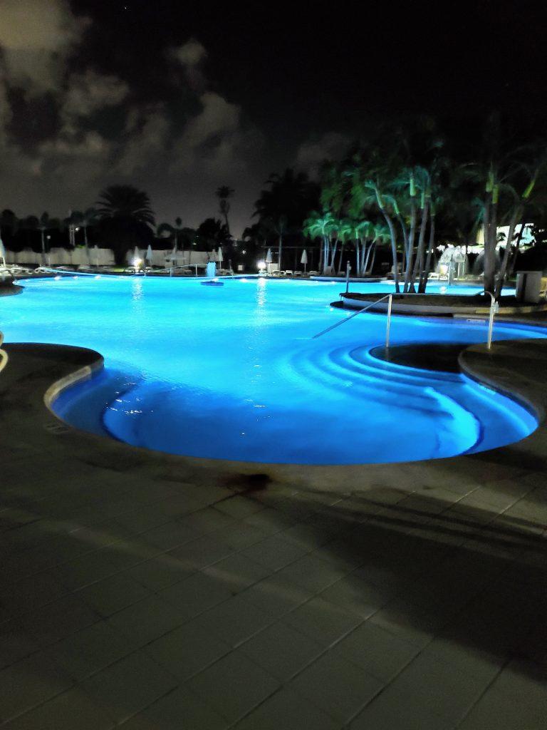 riu pool