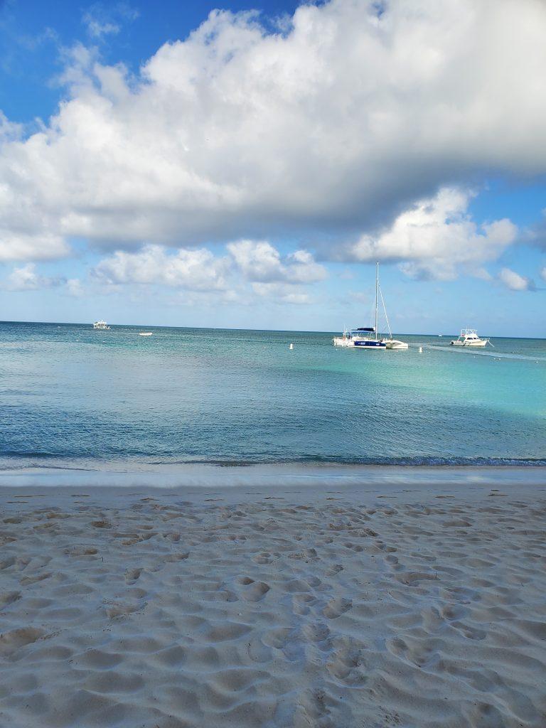 Boat on sea in aruba