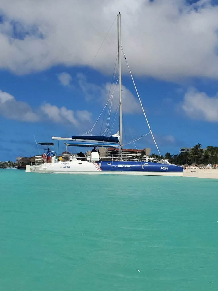 boat ride in aruba