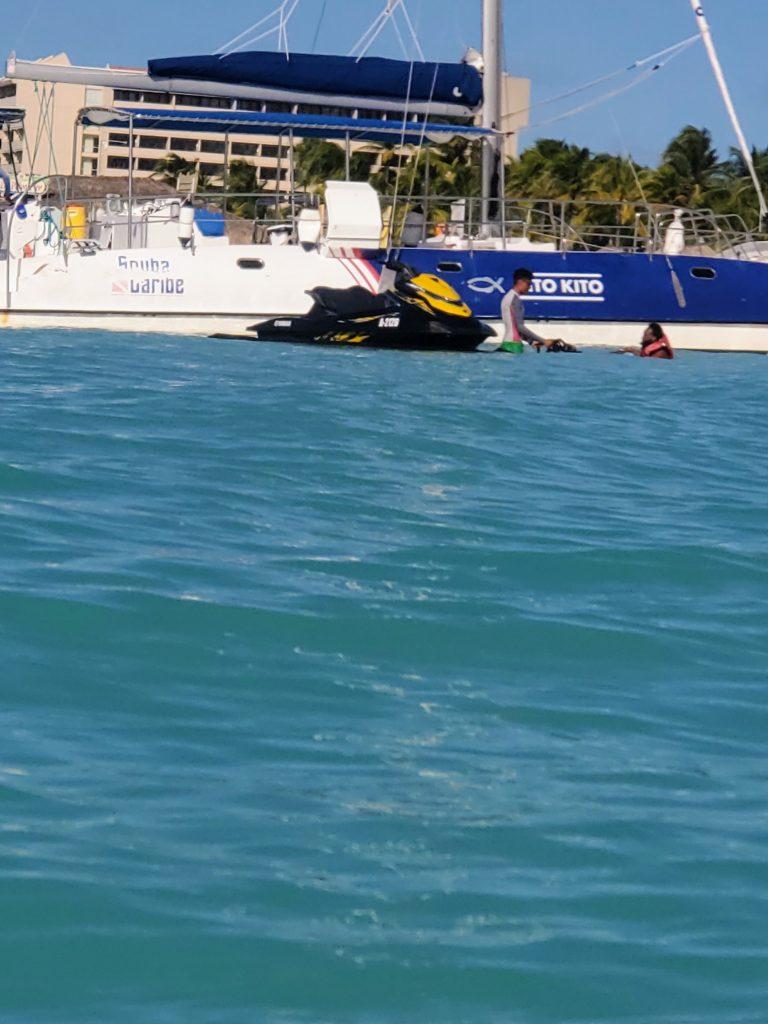 jet skiing in aruba