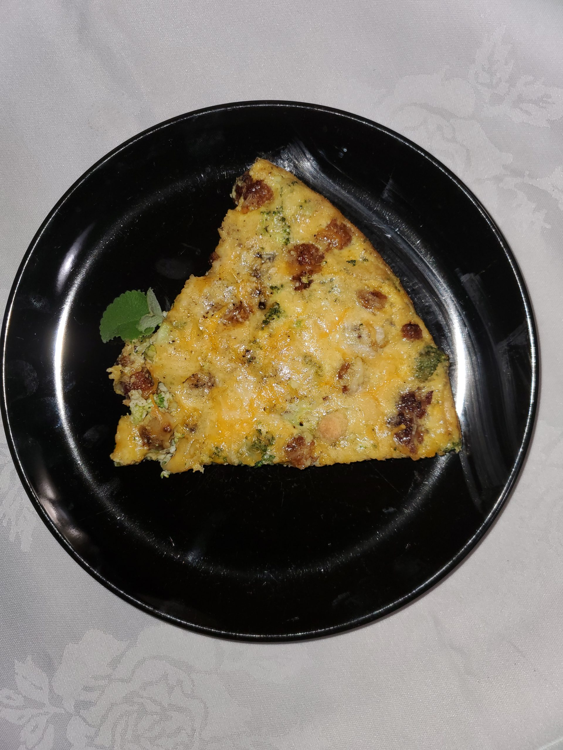 Keto-Diet is a popular fad diet trend. This Breakfast Italian Sausage Quiche is